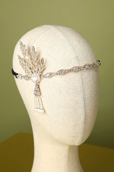 Flapper Headband, Flapper Costume, White Headband, 1920s Flapper, White Beads, Gcse Art, Pearls, This Or That Questions, Eve