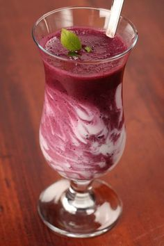 Cherry Blueberry Shake 8 oz Almond Milk cup frozen cherries cup frozen blueberries 2 scoops Vi shape mix Blend berries separately from milk and Vi-shake, and then swirl together to get this effect! 310 Shake Recipes, Protein Shake Recipes, Frozen Cherries, Frozen Blueberries, Smoothies For Kids, Fruit Smoothies, Protein Smoothies, Healthy Snacks For Kids, Healthy Drinks