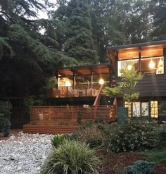 John Burrows mid-century house Seattle - exterior