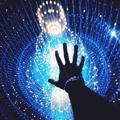 Instagram morkovkin27 Через тернии к звездам!  #cosmos #vsco #vscocam #art #light #hand #magic ...