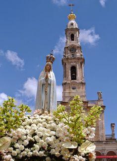 Spe Deus: Mês de maio, mês pleno de invocações marianas