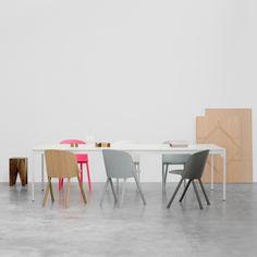 Dessinée par Philipp Mainzer pour E15, la chaise This tient son nom du tour de cartes « This That Other ». #e15 #chair #design #silvera #silveraeshop #lovedesign