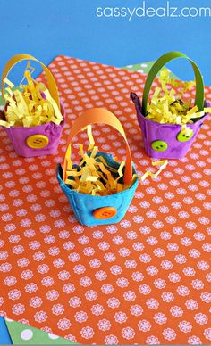 Egg Carton Easter Basket Craft for Kids - Sassy Dealz could use pipe cleaners instead of paper for the handles - easier and sturdier!