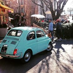 Una Fiat 500 francese! ( by ClicksForPix on Tumblr) http://ift.tt/1lxIEna http://ift.tt/217HHsc