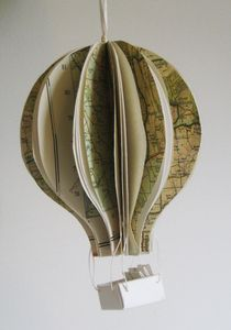 Awesome ideas for displays I can make. Map Crafts, Book Crafts, Diy Paper, Paper Art, Balloon Balloon, Balloons, Book Tree, Old Maps, Origami