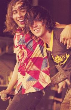 Vic Fuentes (Pierce The Veil) & Kellin Quinn (Sleeping With Sirens) Emo Bands, Music Bands, Rock Bands, Pierce The Veil, Music Is Life, My Music, Band Quotes, Falling In Reverse, Vic Fuentes
