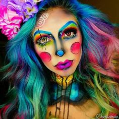 Save this Halloween rainbow clown makeup tutorial. make up face paintings beautiful 44 Times Halloween Face Paint Basically Blew Our Minds Visage Halloween, Clown Makeup Tutorial, Halloween Gesicht, Art Visage, Theatrical Makeup, Special Effects Makeup, Halloween Makeup Looks, Crazy Makeup, Halloween Disfraces