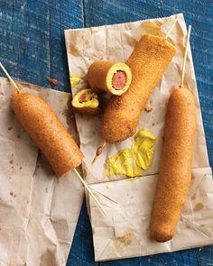 Dagwood Dog ou Corn Dog |    Le Dagwood Dog, ou Corn Dog, selon la localité ou lon se trouve, est une saucisse à hot-dog recouverte dune épaisse couche de p...