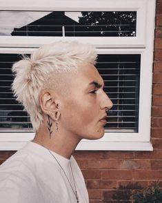 Mullet Fade, Mens Mullet, Short Mullet, Curly Mullet, Punk Haircut, Mullet Haircut, Mullet Hairstyle, Dyed Hair Men, Curly Hair Men