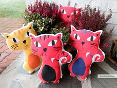 Hippu. Handmade cat pillows.