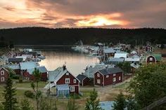trysunda Sweden, Coast, Cabin, Spaces, House Styles, Cabins, Cottage, Wooden Houses