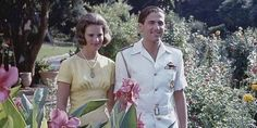 Πολύ καλές σχέσεις με τα πεθερικά της, τον τέως βασιλιά Κωνσταντίνο και την Άννα-Μαρία, διατηρεί η Μαρί Σαντάλ. | ΖΩΗ | iefimerida.gr | Μαρί Σαντάλ, Παύλος Γλύξμπουργκ, τέως βασιλιάς Κωνσταντίνος, Κωνσταντίνος Γλύξμπουργκ, πεθερικά Greek Royalty, Coat, Fashion, Moda, Sewing Coat, Fashion Styles, Greek Royal Family, Peacoats, Fashion Illustrations