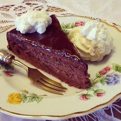 Vollpension-Backchallenge die VIII. Sachertorte von Oma Charlotte Heute vor 10 Jahren habe ich in meiner jetzigen Firma als Buchhalterin begonnen. Ich hätte ja damals nicht gedacht, dass ich das 1… Steak, Blog, Remember This, Kuchen, Food Food, Steaks, Blogging