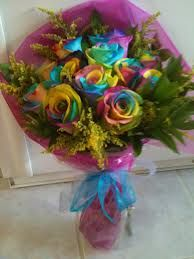 My new obsession: Rainbow Roses!! Want some sooo bad!(: