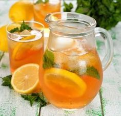Do you want to learn how to make sweet tea? Then read our article on how to make sweet tea today and discover this drink. Refreshing Drinks, Yummy Drinks, Healthy Drinks, Mix Drinks, Fancy Drinks, Cocktail Drinks, Cocktails, Non Alcoholic Drinks, Beverages