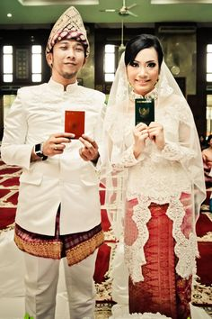 bride and groom set. Jas duta besar dan kebaya akad nikah+veil. (thanks to Manda and Oki)
