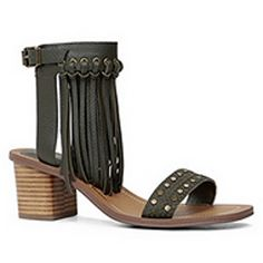 Fringes galore. We love the chunky heel that nearly anyone will look good wearing - CAYLEY