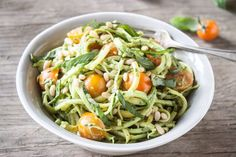 Zucchini Noodles with Avocado-Basil Saucerecipe link in bio! Zucchini Noodles with Avocado-Basil Saucerecipe link in bio! Clean Recipes, Raw Food Recipes, Vegetarian Recipes, Cooking Recipes, Healthy Recipes, Cooking Food, Vegan Meals, Veggie Recipes, Healthy Snacks