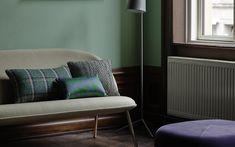 Combo Design is officieel dealer van Norman Copenhagen ✓Flair Cushions makkelijk te bestellen ✓ Gratis verzending (NL) ✓ 1-3 werkdagen✓ Sofa, Couch, Copenhagen, Norman, Cushions, Furniture, Design, Home Decor, Throw Pillows