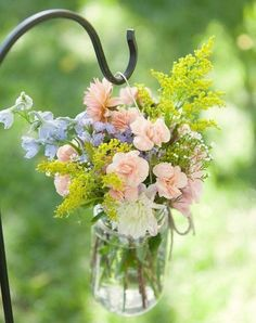 Hanging Mason Jar… Perfect for adding beautiful charm to your front door entry or backyard for a backyard BBQ!!