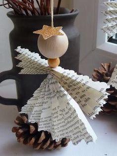 Ángel de la Navidad para el árbol o para colgar en su regalo de Navidad.