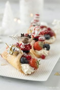 Pudding Desserts, Köstliche Desserts, Delicious Desserts, Dessert Recipes, Christmas Food Treats, Holiday Snacks, Christmas Desserts, Winter Desserts, French Macaroon Recipes