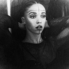 FKA Twigs Makeup - How to Festival Makeup