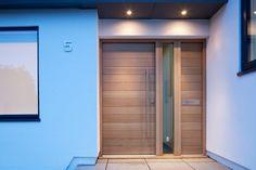 Contemporary Front Doors UK - designs e-range Porto Modern Entrance Door, Modern Exterior Doors, Front Door Entrance, Modern Door, White Oak Front Doors, Wood Front Doors, Front Door Lighting, Contemporary Front Doors, Front Door Design