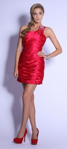 Single Shoulder Apple Red Short Cocktail Dress Satin Rhinestone