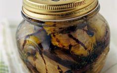 Μελιτζάνες σκορδάτες σε λαδόξιδο - iCookGreek