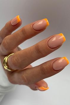 Summer nails incoming... obsessing over these orange french tip nails from @aimeestokesbeauty✨ Subtle Nails, Funky Nails, Acrylic Nails Coffin Short, Best Acrylic Nails, Orange Nails, Orange Nail Art, Orange Acrylic Nails, Acylic Nails, Fire Nails