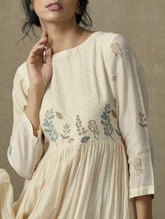 Botanical Tier Dress - Everything you are looking for Linen Dresses, Cotton Dresses, Casual Dresses, Fashion Dresses, Kurta Designs Women, Blouse Designs, Dress Designs, Indian Dresses, Indian Outfits