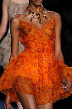 Christian Dior spring 2009 Paris Fashion Week . stylebistro.com