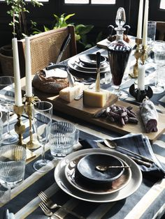 How To Decorate Your Dinner Table Table Setting Inspiration, Decoration Inspiration, Decor Ideas, Food Ideas, Wedding Inspiration, Design Inspiration, Beautiful Table Settings, Ceramic Tableware, Scandinavian Interior Design