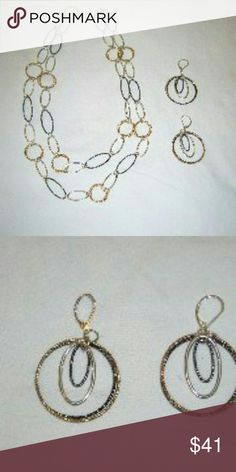 Links_ Necklace & Earrings Alternating oval shiny silver tone smooth links, rope design oval pewter tone and double round rope design links. Total length 38 inches . can be worn as belt if waist is 38 inches or less. Earrings are pierced 2 round Hoops in rope design pewter tone and gold tone period very pretty Premier Designs Jewelry Necklaces