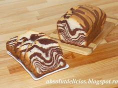 Soft, flaky, super delicious and super easy to prepare, this zebra (marble) loaf cake is one of my favorite desserts. Also this black and white loaf cake is . Romanian Desserts, Romanian Food, Chocolate Crinkle Cookies, Raisin Cookies, Cake Videos, Food Videos, Recipe Videos, Sponge Cake Recipes, Loaf Cake