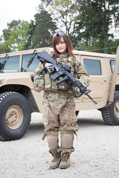 Airsoft Player in Japan. Fashion Photo Woman Model. CRYE PRECISION Multicam GEN2 camo BDU.  #奥山絵里奈 #Military #girl #gun #combat