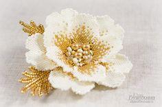 Mosaic (flowers and . Beadwork Designs, Beaded Jewelry Designs, Seed Bead Jewelry, Bead Jewellery, Mosaic Flowers, Beaded Flowers, Beading Needles, Loom Beading, Crochet Flower Patterns