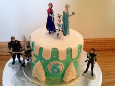 Frozen cake made by SweetEms Cakery!