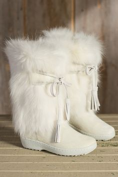 Women's Pajar Fox Trot Cowhide and Fox Fur Boots  by Overland Sheepskin Co. (style 55408)