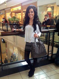 Meg's cute outfit + big hair