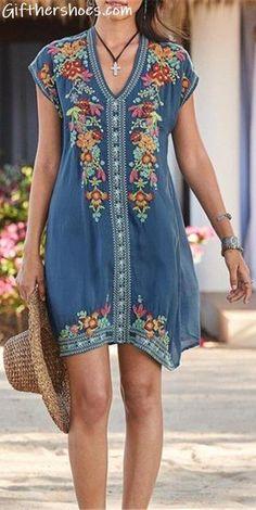 plus size fashion Plus Size Bohemian Embroidery V Neck Mini Dress Mode Hippie, Bohemian Mode, Bohemian Style, Maxi Dress With Sleeves, Short Sleeve Dresses, Long Sleeve, Plus Size Bohemian, Estilo Hippie, Casual Dresses