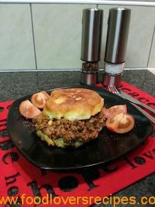 blitsige vetkoek Light Recipes, Salmon Burgers, South Africa, Beef, Meals, Lovers, Ethnic Recipes, Kos, Tarts