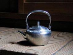 Kan nabe (for sake)  錫 石目燗鍋