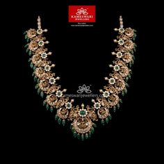 Gorgeous Rich Queen's Neckpiece This absolutely gorgeous necklace is fit only a for the queen in you. The intricacy of work displayed is impeccable and the beautiful combination of gold, white cz stones and emeralds give it the very rich and elegant look. Gold Wedding Jewelry, Bridal Jewelry, Gold Jewelry, Gold Necklaces, Diamond Jewelry, Pearl Necklace Designs, Ruby Necklace, Antique Necklace, Earrings