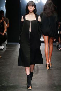 Vera Wang Spring 2016 Ready-to-Wear Collection Photos - Vogue
