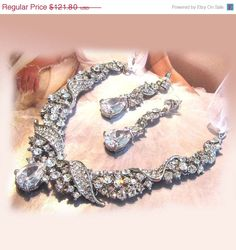 Hey, I found this really awesome Etsy listing at https://www.etsy.com/listing/101169774/wedding-jewelry-set-ooak-bridal-bib