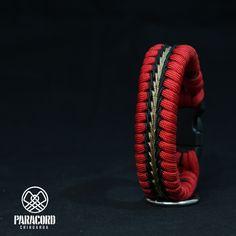 Paracord Bracelet Designs, Paracord Bracelets, Survival Bracelets, Paracord Braids, Diy Bracelets Patterns, Best Bags, Fishtail, Chihuahua, Wallet