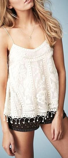 Nordstrom Kate Moss for Topshop Lace Swing Camisole Look Hippie Chic, Look Boho, Bohemian Style, Boho Chic, Crochet Cami Tops, Estilo Hippie, Moda Casual, Mode Inspiration, Mode Style