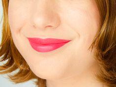 Laques à lèvres mates Glam Matte - Cherry Crop (L'Oréal) #blog #beaute #maquillage #makeup #levres #laque #gloss #mat #glammatte #loreal #rose #rouge #framboise #cherrycrop #swatch  http://mamzelleboom.com/2014/10/30/laque-levres-mate-gloss-mat-glam-matte-l-oreal-levres-velours/